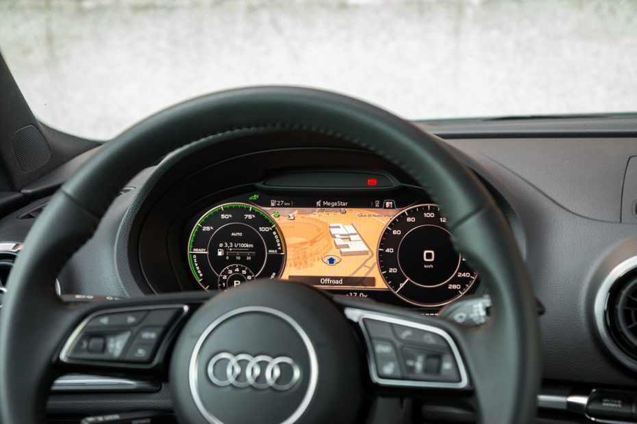 How to configure the cars navigator or GPS