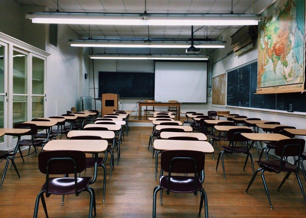 classroom 2093743 1280