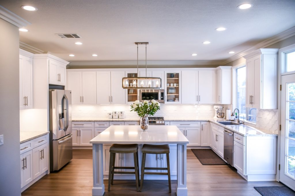 white wooden cupboards 2724749