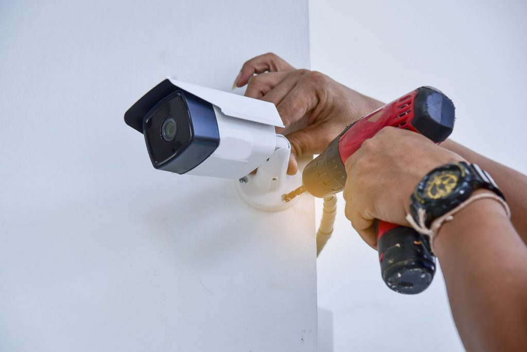 Why an expert is essential for installing CCTV camera?
