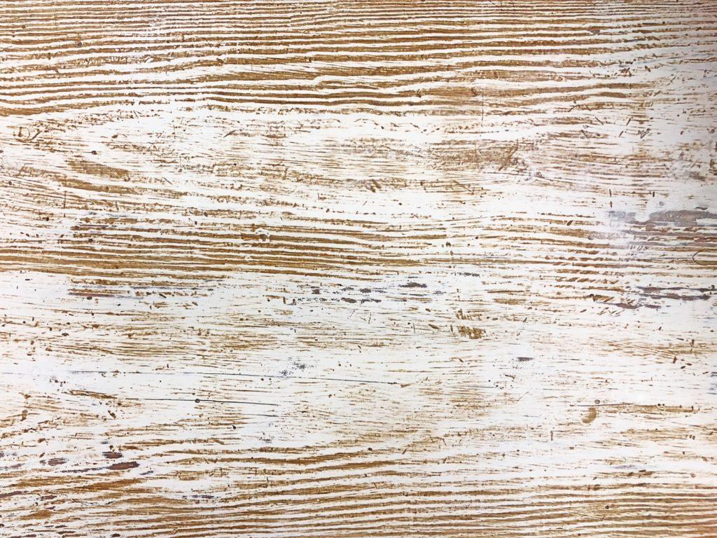 paint wooden surfaces